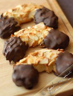 Kochen mit Herzchen - ♥ Mein Koch-Tagebuch mit viel Herz ♥: Marzipan-Mandel-Hörnchen
