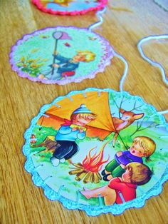 silly old suitcase: DIY-tutorial; making a happy paper circle . garland.....haak dan met dezelfde kleur rondom de cirkel in de festonsteek bv 1 vaste, 3 stokjes, een vaste in een steek...