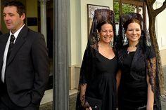 Spanish women in mantillas