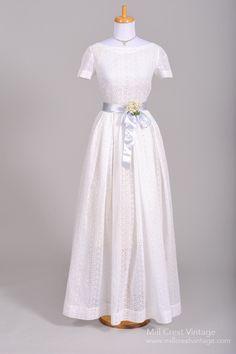 1950 Eyelet Summer Vintage Wedding Gown , Vintage Wedding Dresses - 1950 Vintage, Mill Crest Vintage  - 1