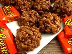 ***No Bake Reeses Krispy Treats 4 cups Rice Krispies cereal 1 cup light corn syrup 1 cup granulated sugar 1 cups creamy peanut butter 5 regular. Köstliche Desserts, Dessert Recipes, Reis Krispies, Reeses Peanut Butter, Creamy Peanut Butter, No Bake Cookies, Crispy Cookies, Krispie Treats, So Little Time