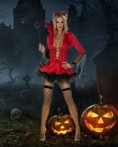 Fii diabolic de sexy de Halloween!😈🎃❤️ Halloween, Sexy, Punk, Costumes, Style, Fashion, Swag, Moda, Dress Up Clothes