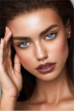 60 Natural Makeup Looks Ideas For A Better Self - Natürliche Make-up-Ideen, Make-up-Looks-Idee Make Up Looks, Makeup Inspo, Makeup Inspiration, Makeup Ideas, Masque Anti Ride, Anti Ride Naturel, Glitter Make Up, Natural Makeup Tips, Makeup Portfolio