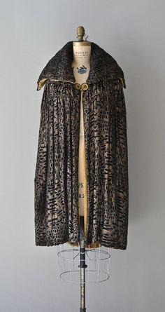 Millay Lamé cape vintage 1920s cape silk lamé por DearGolden