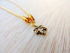 Collar preciosa hoja dorada von Arts&Crafts auf DaWanda.com