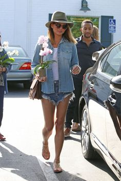 chrissy-teigen-leggy-in-jeans-shorts-out-in-west-hollywood-april-2015_4
