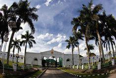 Rental Mobil Palembang: IRA Rental Mobil Palembang Palembang, Mansions, House Styles, Mansion Houses, Villas, Fancy Houses, Palaces, Mansion
