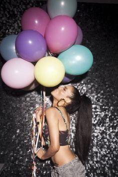 New Video: Sabi – Champagne Birthday Photography, Girl Photography Poses, Creative Photography, Cute Birthday Pictures, Birthday Photos, Balloon Pictures, Happy Birthday Wallpaper, Girl Photo Shoots, Birthday Balloons