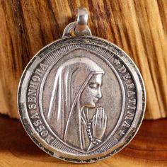 Our Lady of Fatima Rosairo Da Fatima Vintage by CherishedSaints