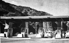 S/F.- Peaje  Autopista Caracas la Guaira.-