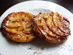 Mini tartelettes fines fondantes aux pommes ! Hello les gourmands ! Huuum qui aime la tarte fine aux pommes comme celle de carrefour !!! Après en avoir mangé des tonnes et des tonnes, j'ai enfin percé à jour la recette !!! en même tps, c'était pas sorcier...