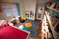 Boy/Girl Sibling Bedroom traditional kids