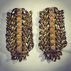 "Señorita Bordado• (@senorita_bordado) en Instagram: ""Charreteras doradas que transforman tu outfit. Instagram, Bugle Beads, El Dorado, Sequins, Gems, Hand Embroidery, Rocks, Glitter"