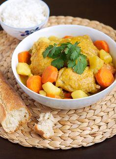 Vietnamese Chicken Curry (Ca Ri Ga) - Recipe Included.
