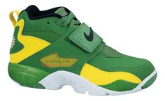 buy popular e3c08 edcfa Nike Air Diamond Turf OREGON Nike Air Diamond Turf, Oregon Ducks, Nike Sb,