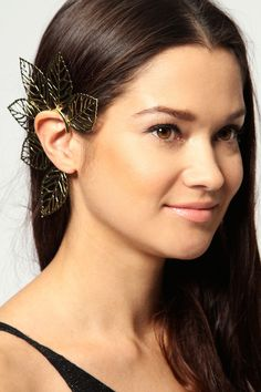 Effie Oversized Leaf Earcuff