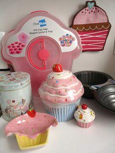 H-E-B Cupcake loot by gina678, via Flickr