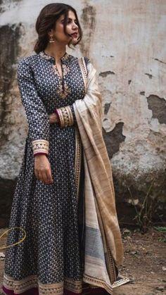 Pakistani Dresses, Indian Dresses, Indian Outfits, Indian Attire, Indian Wear, Kurta Designs Women, Blouse Designs, Long Anarkali Gown, Casual Dresses