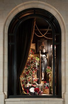 Holiday windows at our ralph lauren store in greenwich visuelles marketing, Showroom Design, Shop Interior Design, Retail Design, Store Design, Display Design, Ad Design, Graphic Design, Christmas Windows, Christmas Store