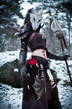 Tennyo Cosplay created this Guild Wars 2 Dry Bones armor!