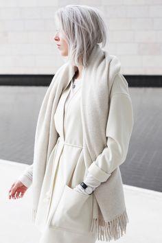 Outfit | winter white in Paris | MyDubio