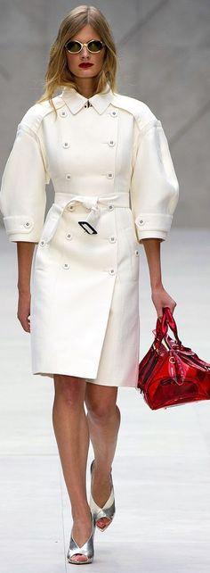 Burberry Prorsum Fashion Show Details