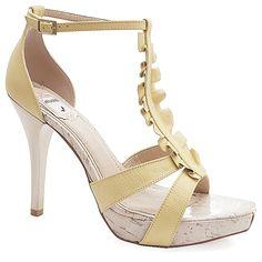 sonhando... Sandália Número Grande Miucha 1898 Amarelo - Sapatos Femininos, Sandálias, Peep Toes, Calçados em Numeração Especial - Sapato Show