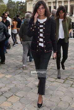 Emmanuelle Alt arrives at the Mugler show as part of the Paris Fashion Week Womenswear Spring/Summer 2017 on October 1, 2016 in Paris, France.