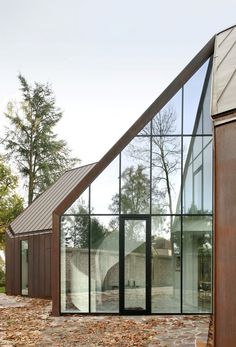 Image 19 of 20 from gallery of House VDV / Graux & Baeyens Architects. Photograph by Graux & Baeyens Architects Detail Architecture, Architecture Résidentielle, Amazing Architecture, Contemporary Architecture, Sustainable Architecture, Exterior Design, Interior And Exterior, Architect House, Glass House