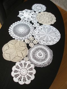 Table Runner And Placemats, Crochet Table Runner, Crochet Tablecloth, Crochet Doilies, Table Runners, Doily Art, Doilies Crafts, Crochet Home, Decoration Table