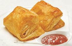 """**My Bangladeshi Patis recipe: Pepperidge Farm puff pasty sheets/pâte feuilleté, Meat filling: Ground meat, 1.5 Onion, 10 cloves of garlic, 3.5"""" ginger, 1/2 t tumeric, 2 t red chili powder, 1.5 t cumin, 2 bay leaf, 2-3 red whole dried chili pepper, 1.5 T tandoori masala paste, Oil, 1/2 t salt to taste, 2-3 cardamom, 4 cinnamon sticks, 2-3 cloves, 1 c Sweet peas, 1 c Potatoes cubes. Or Shrimp,Tomato,Cumin,Garlic,Chili pepper,Thai sweet and sour sauce,Potatoes,Onion,Thai green peppers."""