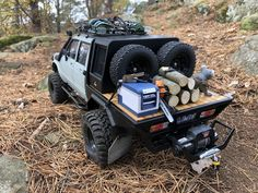 Image may contain: outdoor and nature Rc Cars And Trucks, Vw Cars, Custom Trucks, Toyota Pickup 4x4, Toyota Trucks, Truck Flatbeds, Truck Camping, Nissan Hardbody 4x4, Rc Cars Diy
