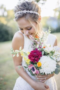 A simple bouquet with pops of bold colors is perfect for a rustic and natural bride.
