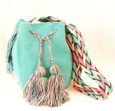 INSPIRATION : crochet mini bag. Wayuu Colombia bag - great colors