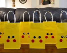 POKEMON PIKACHU FAVOR bolsas Set de 12 por CraftySistersFinds