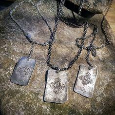 Ai mitäkö tässä? Klaanikorut tässä. Tai perhekorut. Tai ME -korut. http://ift.tt/2gIQQcs  Millaset teille? #mekoru #perhekoru #juvanristi #uniikkikorut #familyjewelry #uniquejewelry #finnishdesign #koruseppä  #anuek #kerava