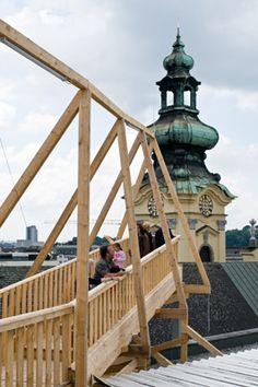 《リンツ・スーパー・ブランチ》( 「Höhenrausch」展、OK現代美術センター/リンツ)2009年  写真:アトリエ・ワン  © Atelier Bow-Wow