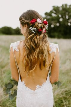 Stunning backless wedding dress | Melissa Green Photography