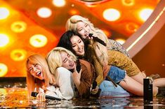 Image shared by Jung Shelby. Find images and videos about mamamoo, solar and hwasa on We Heart It - the app to get lost in what you love. Kpop Girl Groups, Korean Girl Groups, Kpop Girls, J Pop, My Girl, Cool Girl, Wheein Mamamoo, Solar Mamamoo, Eric Nam