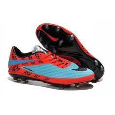 Imprévisibilité demande agilité, alors la chaussure de football HyperVenom Phantom a été équipée par Nike avec un chassis en Nylon qui est léger, qui soutien et qui est réactif avec une base en Pebax et Spilt Toe. - 96.0000