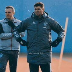 Steven Gerrard Brazil (@stevengerrard_cf) • Fotky a videá na Instagrame Steven Gerrard, Brazil, Motorcycle Jacket, Athletic, Jackets, Fashion, Athlete, La Mode, Deporte