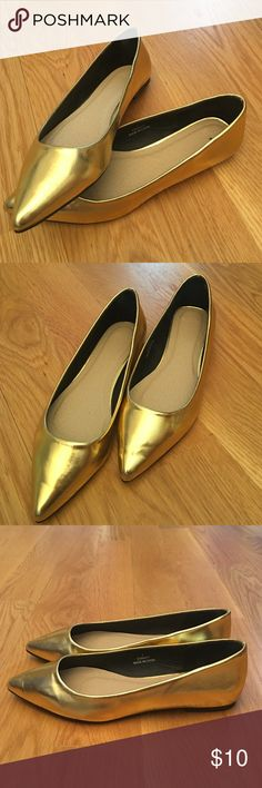 Size 5/UK 3 ASOS Gold Flats Shiny metallic gold flats with a pointed toe for an extra edge to your typical flat! Never been worn and in completely new condition ASOS Shoes Flats & Loafers
