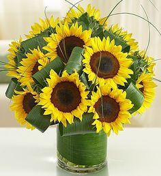 Sun-Sational Sunflowers™ Put a bright smile on their face with our fresh sunflower bouquet! This gorgeous arrangement is bea Sunflowers And Daisies, Fall Flowers, Summer Flowers, Wedding Flowers, Send Flowers, Paper Sunflowers, Summer Flower Arrangements, Fall Flower Arrangements, Flowers Canada