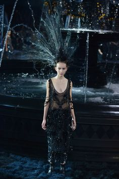 Sequins + fringe. Louis Vuitton Spring 2014 Ready-to-Wear Collection Slideshow on Style.com #fashion #design #runway