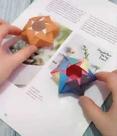 how to make a paper box by yourself? Cool Paper Crafts, Paper Crafts Origami, Origami Paper, Diy And Crafts, Paper Paper, Realistic Flower Drawing, Simple Flower Drawing, Pinterest Origami, Christmas Drawings For Kids