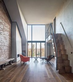 Image 1 of 21 from gallery of Walker + Simunic Residence / JaK Studio. Photograph by Francesco Russo Lofts, Loft Interior, Interior Design, Loft Design, House Design, London Property, London House, Decoration, Studio