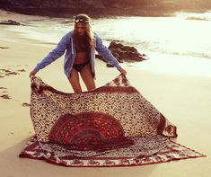 Use an old tapestry for the beach