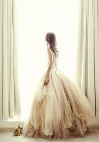 Here Comes the Bride: Katrina Langford / Pinterest - Socialbliss