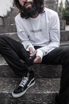 Macho Moda - Blog de Moda Masculina: Right Here apresenta #LongSleeveCollection, sua Nova Coleção. Streetwear, Streetwear Nacional, Moda Masculina Street, Moda Street Masculina, Men's Streetwear, Camiseta Manga Longa Masculina, Camiseta Manga Longa Masculina Branca