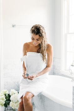 The French Skincare Secret You Dont Want To Miss - April 20 2019 at Cleopatra Beauty Secrets, French Beauty Secrets, Beauty Tips, Daily Beauty, Beauty Products, Beauty Routine Checklist, Beauty Routines, French Skincare, Korean Skincare